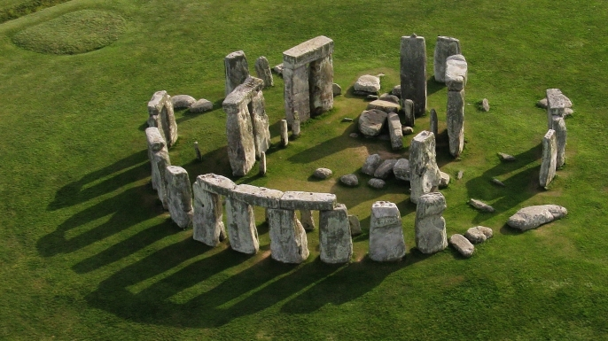 explore stonehenge in VR